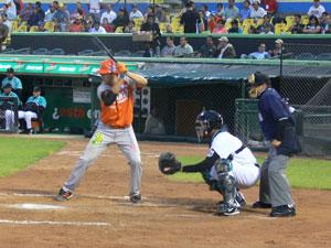 Saltillo venció 12-11 a Laguna en duelo de volteretas